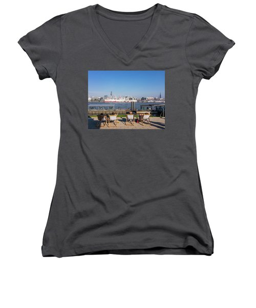Relax On The Elbe Women's V-Neck