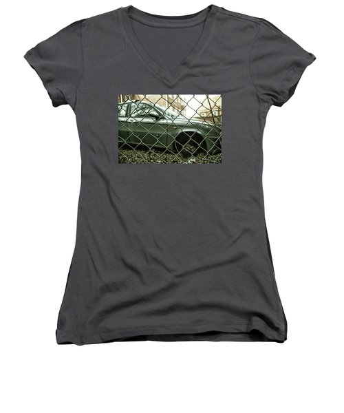 Relic Women's V-Neck