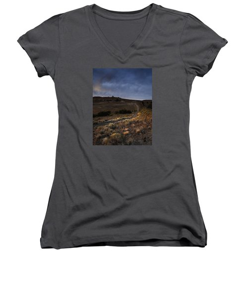 Reno Sunset Women's V-Neck (Athletic Fit)