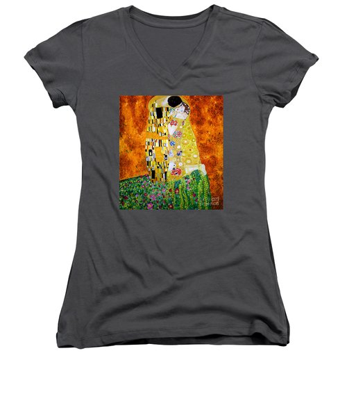 Reproduction Of The Kiss By Gustav Klimt Women's V-Neck T-Shirt