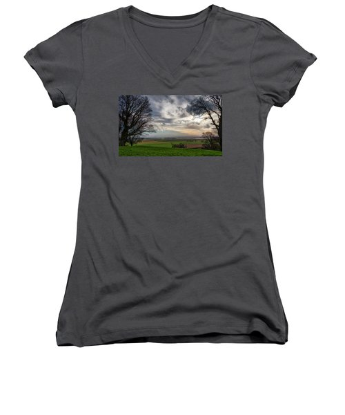 Women's V-Neck T-Shirt featuring the photograph River Forth View From Clackmannan Tower by Jeremy Lavender Photography