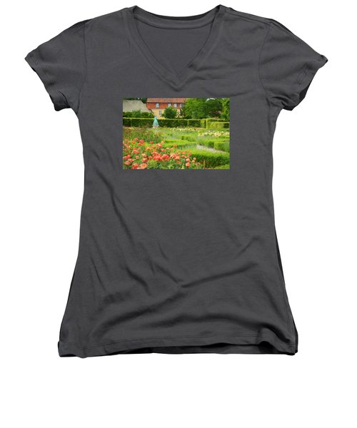 Rosenhaven  Women's V-Neck