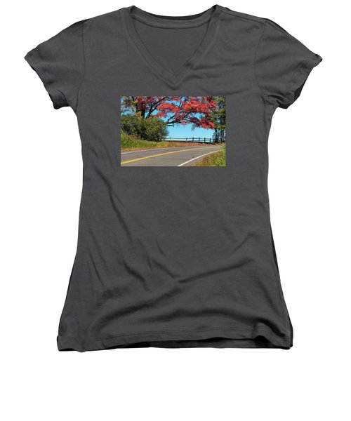 Route 5 Color Women's V-Neck