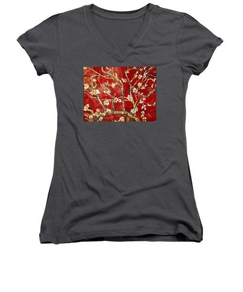 Sac Rouge Avec Fleurs D'almandiers Women's V-Neck T-Shirt