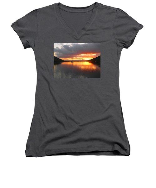 Sailboats At Sunrise In Puerto Escondido Women's V-Neck T-Shirt