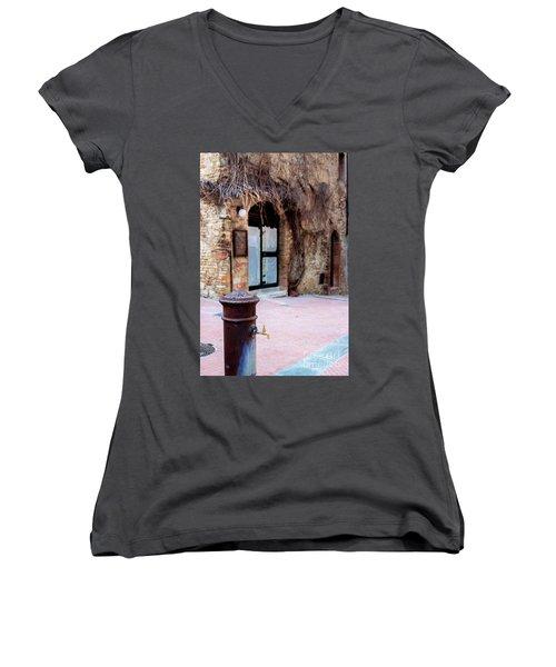 San Gimignano Women's V-Neck