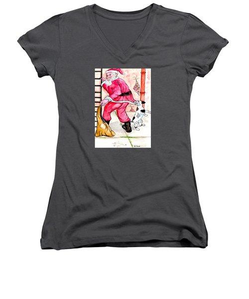 Santa Climbs The Ladder Women's V-Neck T-Shirt (Junior Cut)