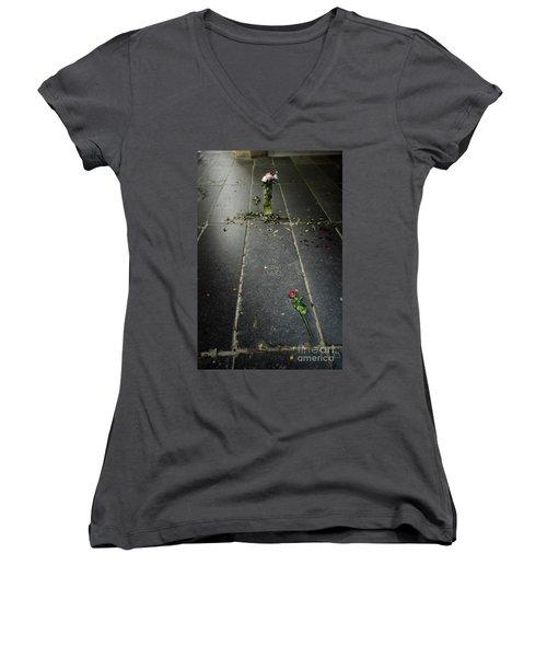 Saskia Rembrandt's Tomb Women's V-Neck T-Shirt (Junior Cut) by RicardMN Photography