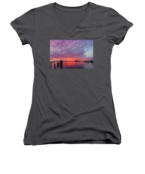 Saxis Sunset Women's V-Neck T-Shirt