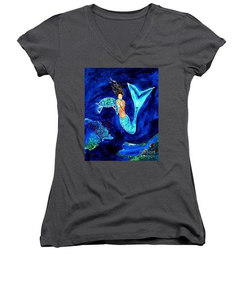 Sea Turtle Kiss Women's V-Neck T-Shirt (Junior Cut) by Leslie Allen