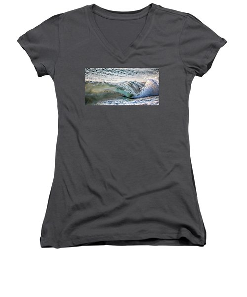 Sea Turtles In The Waves Women's V-Neck T-Shirt