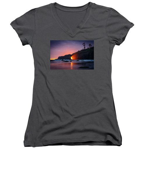 Second Beach Light Shaft Women's V-Neck (Athletic Fit)