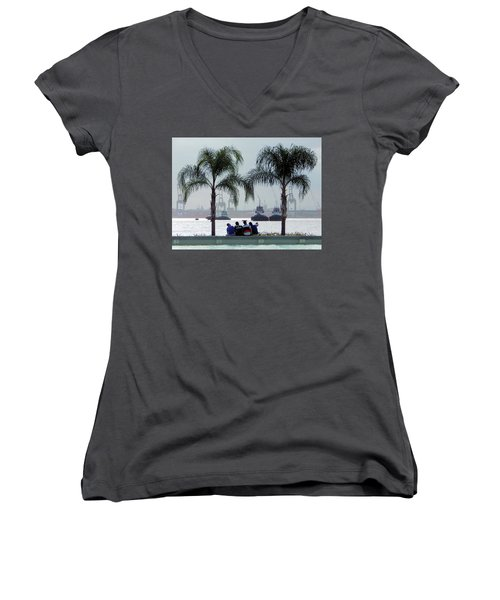 Selfie Us Women's V-Neck T-Shirt