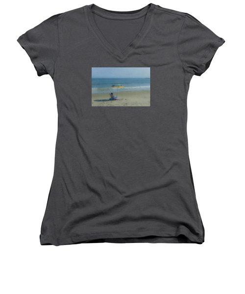 September Beach Reader Women's V-Neck T-Shirt