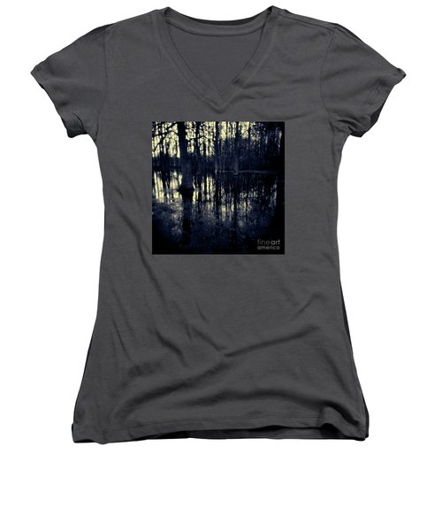 Series Wood And Water 4 Women's V-Neck (Athletic Fit)