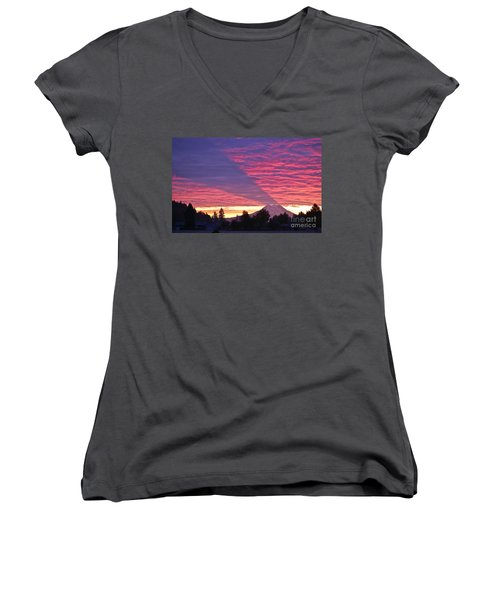Shadow Of Mount Rainier Women's V-Neck T-Shirt (Junior Cut)
