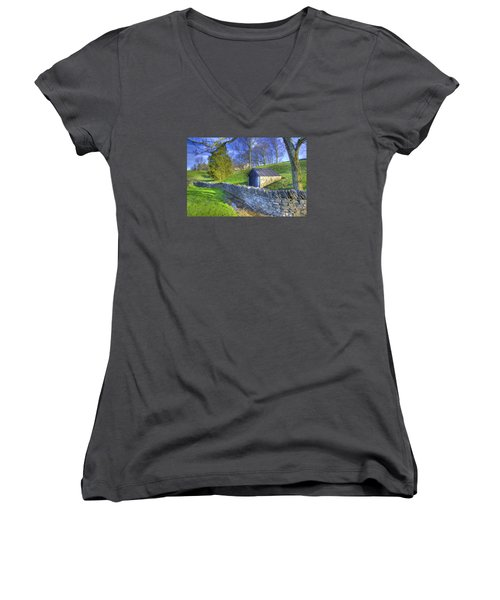 Shaker Stone Wall 6 Women's V-Neck