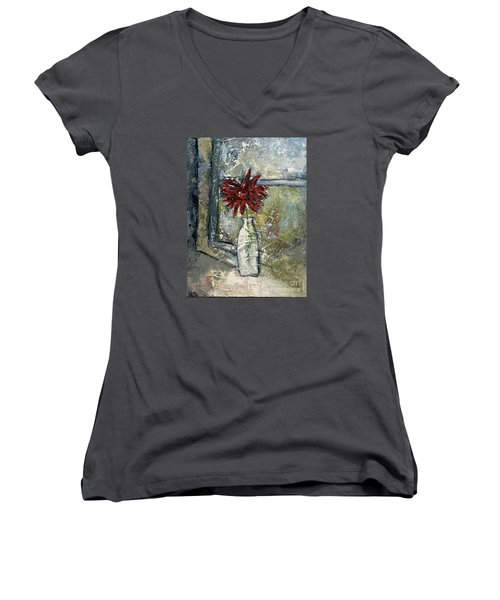 She Soaked In The Sun Women's V-Neck T-Shirt