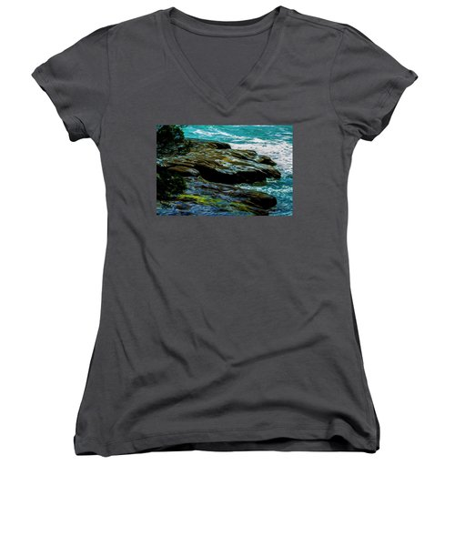 Shoreline  Women's V-Neck
