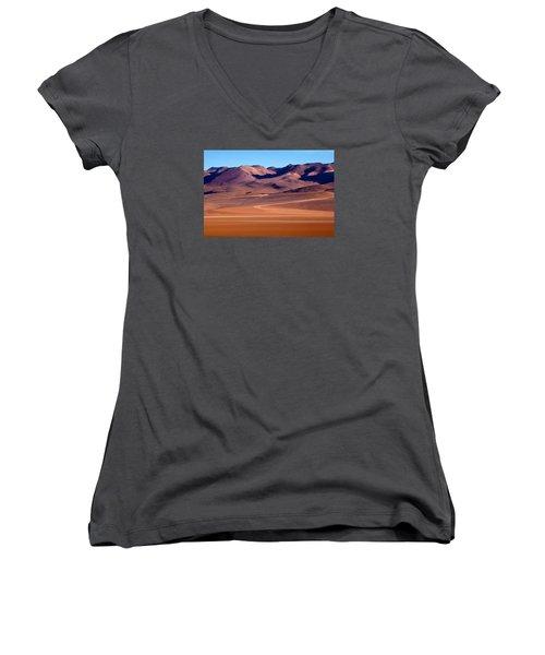 Siloli Desert Women's V-Neck (Athletic Fit)