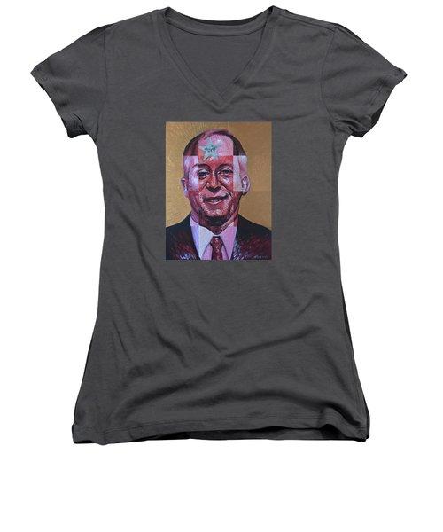Smugshot Women's V-Neck T-Shirt (Junior Cut) by Steve Hunter