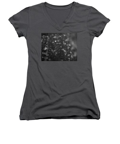 Snow Women's V-Neck