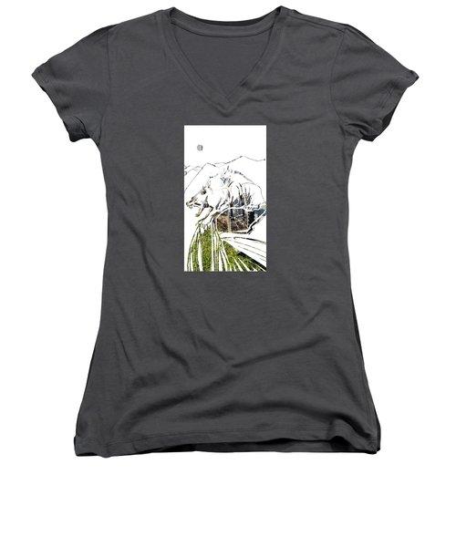 Spirit Animal . Wolverine Women's V-Neck T-Shirt
