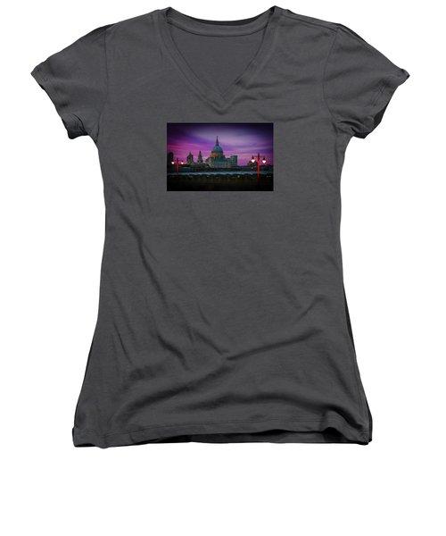 St Pauls Dusk Women's V-Neck T-Shirt (Junior Cut) by David French