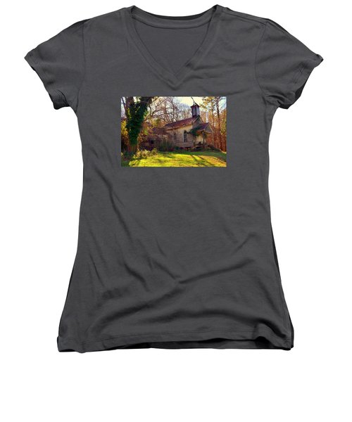 St Simon Church Peak Sc Women's V-Neck T-Shirt
