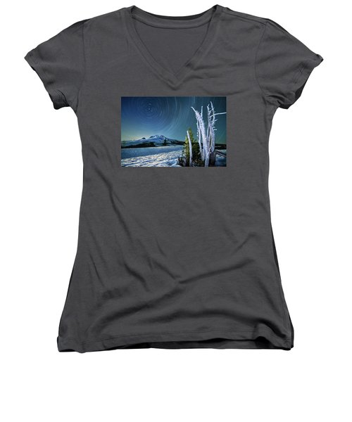 Star Trails Over Mt. Hood Women's V-Neck T-Shirt (Junior Cut) by William Lee