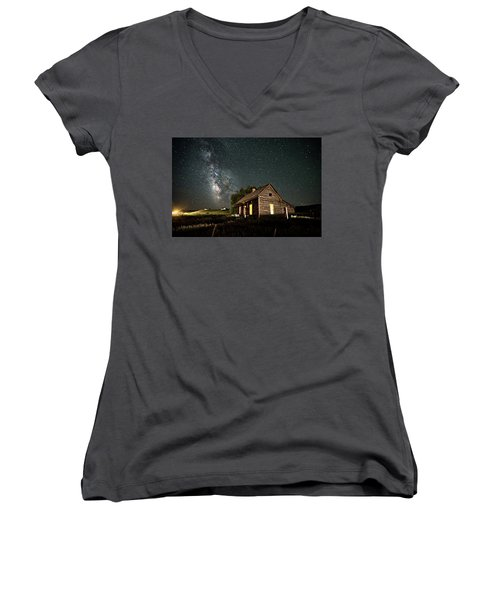 Star Valley Cabin Women's V-Neck (Athletic Fit)