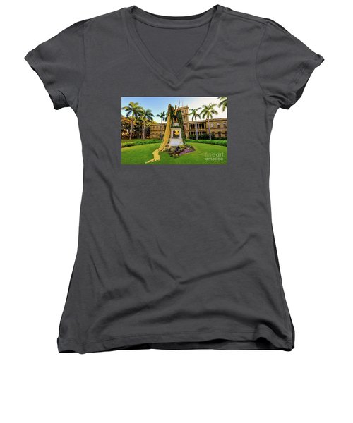 Statue Of, King Kamehameha The Great Women's V-Neck