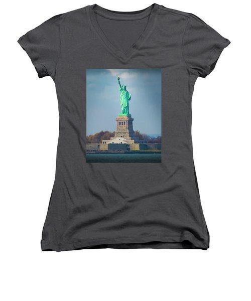 Statue Of Liberty 2 Women's V-Neck