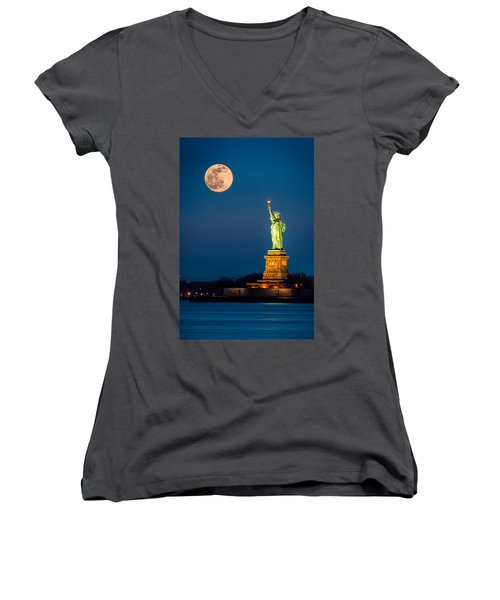 Statue Of Liberty And A Rising Supermoon In New York City Women's V-Neck (Athletic Fit)