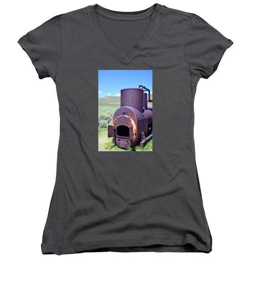 Steam Generator Women's V-Neck T-Shirt