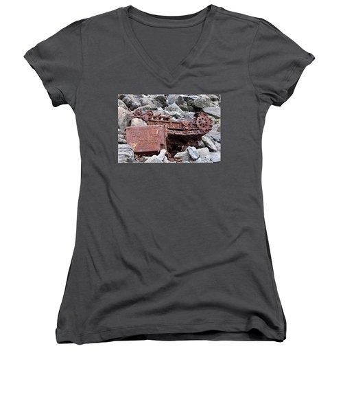 Steam Shovel Number One Women's V-Neck T-Shirt