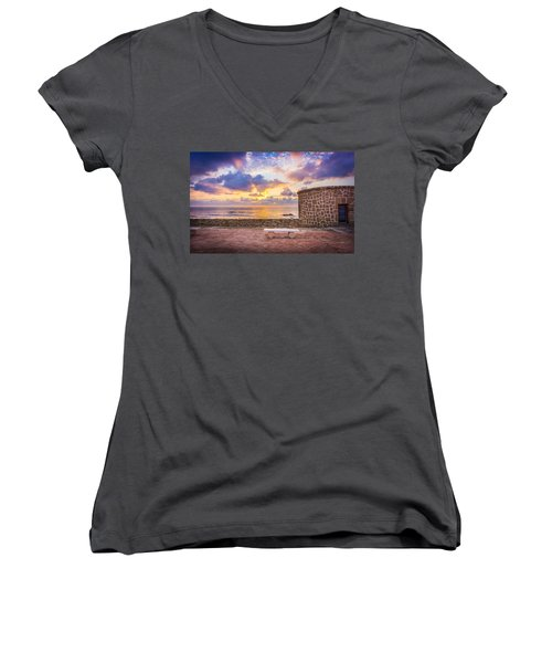 Stone Torre 1. Women's V-Neck