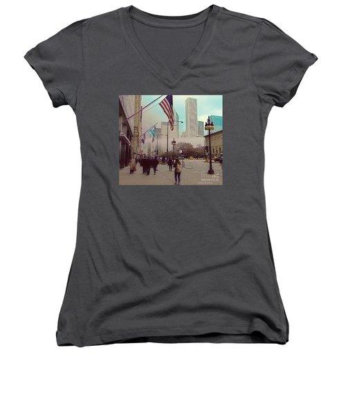 Sunday In The City Women's V-Neck T-Shirt