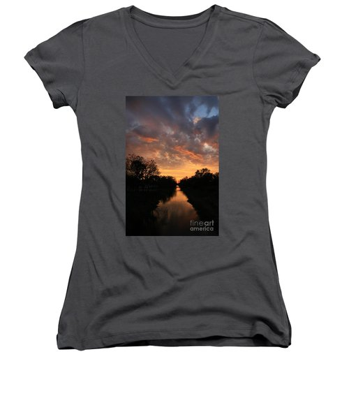 Sunrise On The Illinois Michigan Canal Women's V-Neck