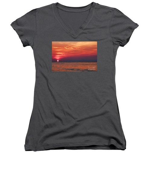 Sunrise Over The Horizon On Myrtle Beach Women's V-Neck