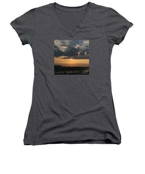 Sunrise Over The Isle Of Wight Women's V-Neck T-Shirt