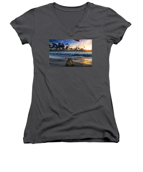 Sunrise Seascape Wisdom Beach Florida C3 Women's V-Neck