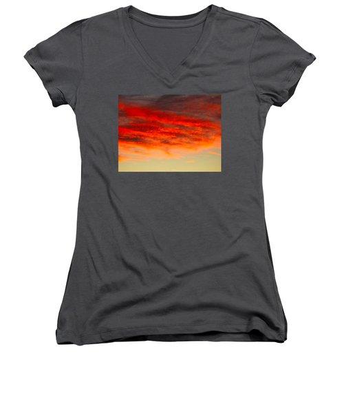 Sunset At Eaton Rapids 4826 Women's V-Neck T-Shirt