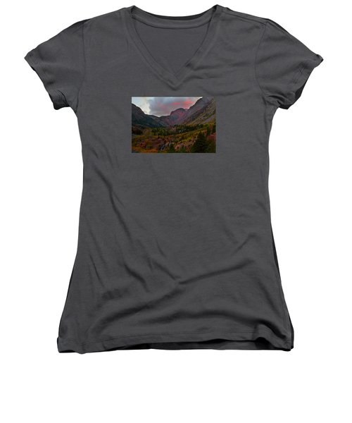 Sunset At Lundy Canyon During Autumn In The Eastern Sierras Women's V-Neck T-Shirt