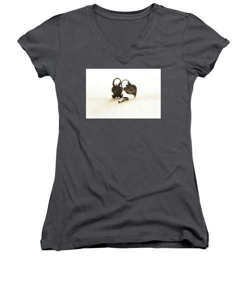 Supported Women's V-Neck