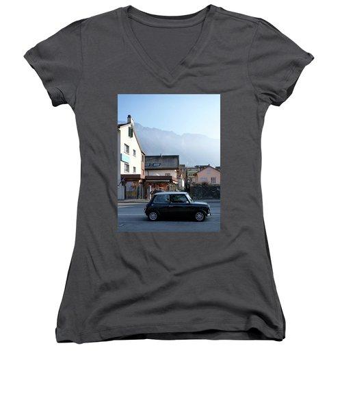 Swiss Mini Women's V-Neck T-Shirt