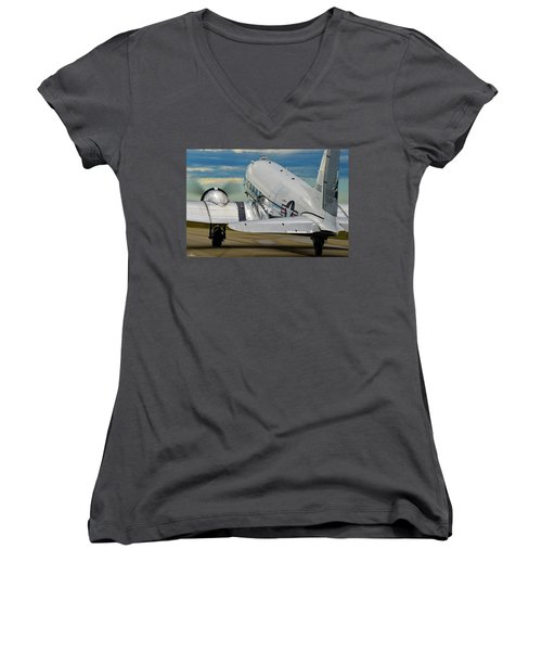 Taxiing To The Active Women's V-Neck