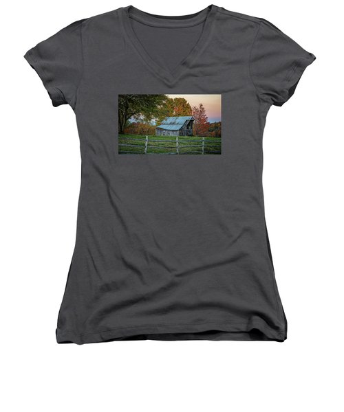 Tennessee Barn Women's V-Neck