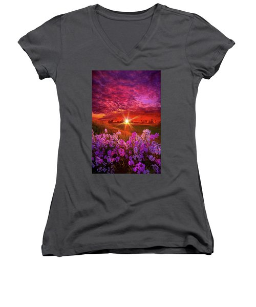 The Everlasting Women's V-Neck