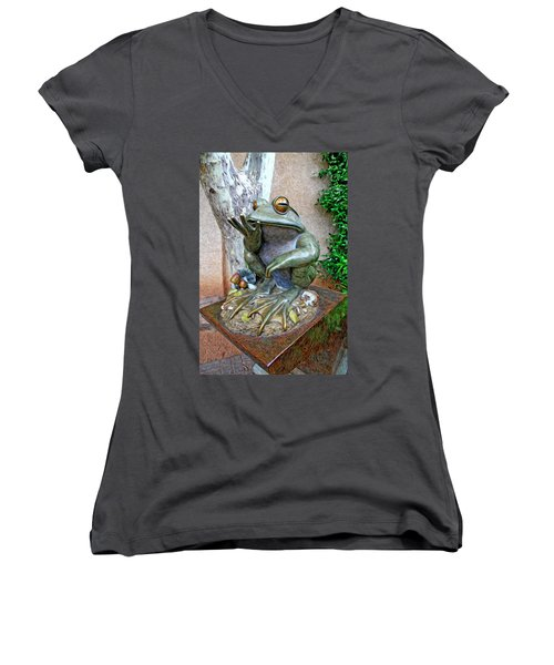 The Frog Women's V-Neck (Athletic Fit)